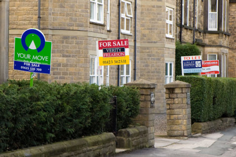 Landlords – why opt for a Letting Agent instead of letting privately?